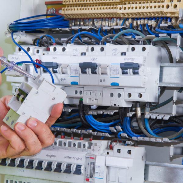 kompletace vypínačů